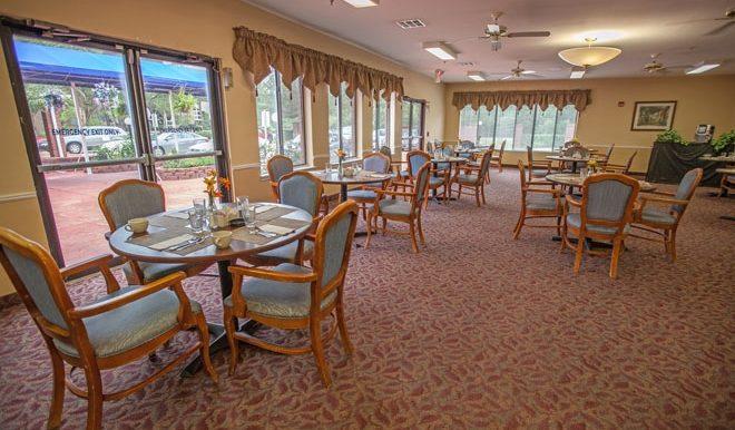 brookdale-champion-oaks-3-dining-room