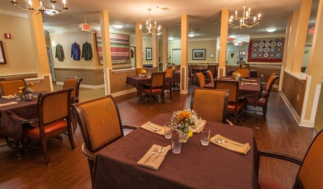 brookdale-champions-3-dining-room