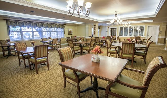brookdale-cypress-station-3-dining-room
