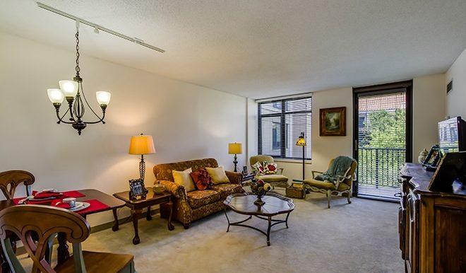 brookdale-gaines-ranch-4-living-room