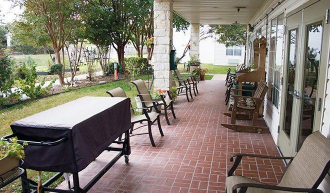 brookdale-round-rock-6-patio