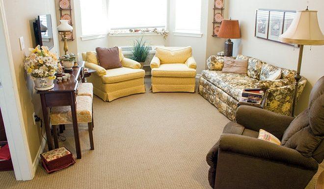 brookdale-round-rock-8-living-room