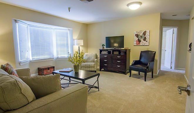 brookdale-westlake-hills-living-room