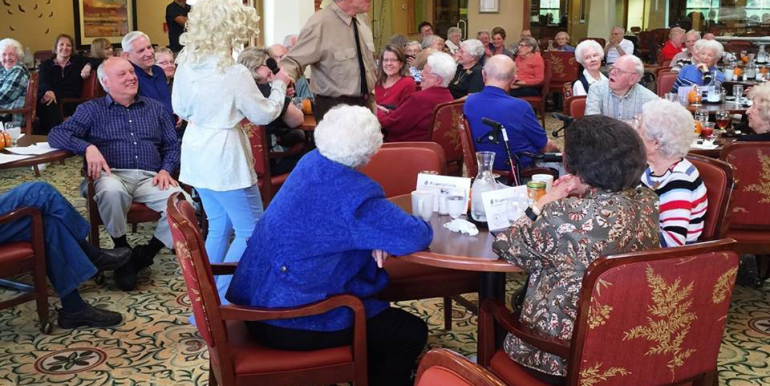 senior_living_kansas_city_missouri_riverstone_whodunnit_theater